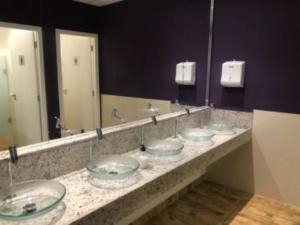 banheiros no spacejob coworking em bh