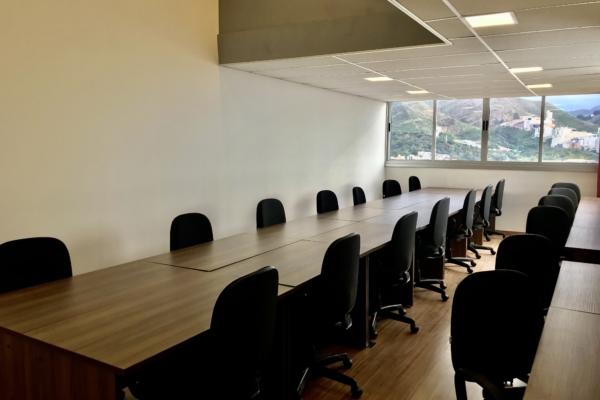 Sala para 20 pessoas coworking spacejob raja prime